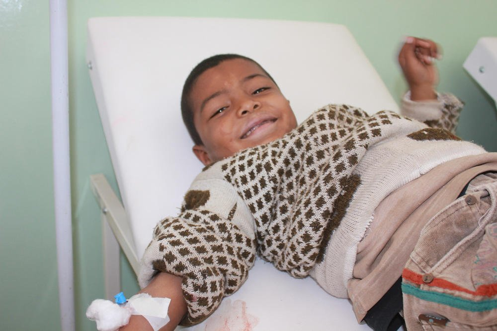 Seven-year-old Mounir from Syria receiving a blood transfusion as treatment for thalassemia © MSF/Diala Ghassan.