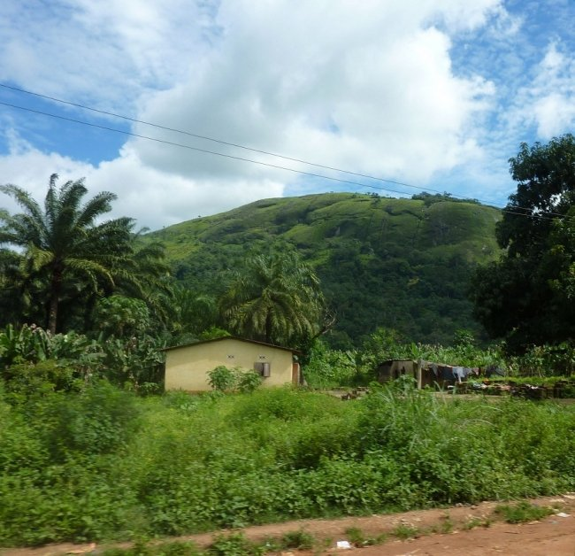 The drive from Kissidougou to Guekedou.