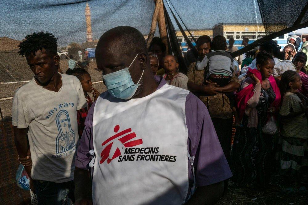 A scene inside the MSF clinic in Um Rakuba camp, Sudan. © Thomas Dworzak/Magnum Photos