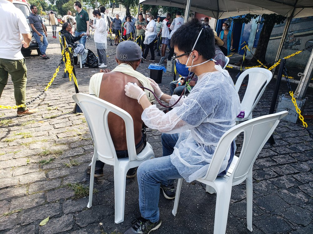 MSF evaluates and screens homeless people in shelters in downtown São Paulo.