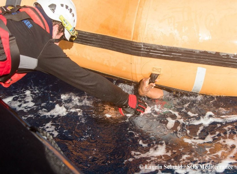 On 27 January, 2018, 99 survivors from a sinking rubber boat in the Mediterranean were rescued by Aquarius, a search and rescue vessel run by MSF and SOS MEDITERRANEE. An unknown number of men, women and children are missing.