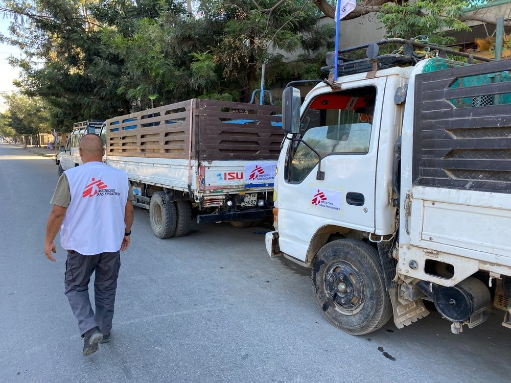 An MSF worker supervises trucks being loaded with supplies in Mekele to be sent to other parts of the Tigray region in northern Ethiopia.