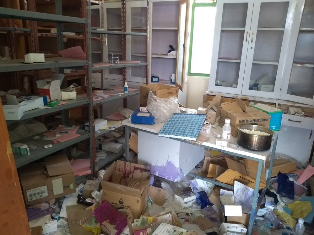 The health centre in Zana has been vandalized and drugs and medical equipment smashed and destroyed. Subsequently the clinic has been closed and MSF is the only actor providing health care in the village with mobile clinic teams.