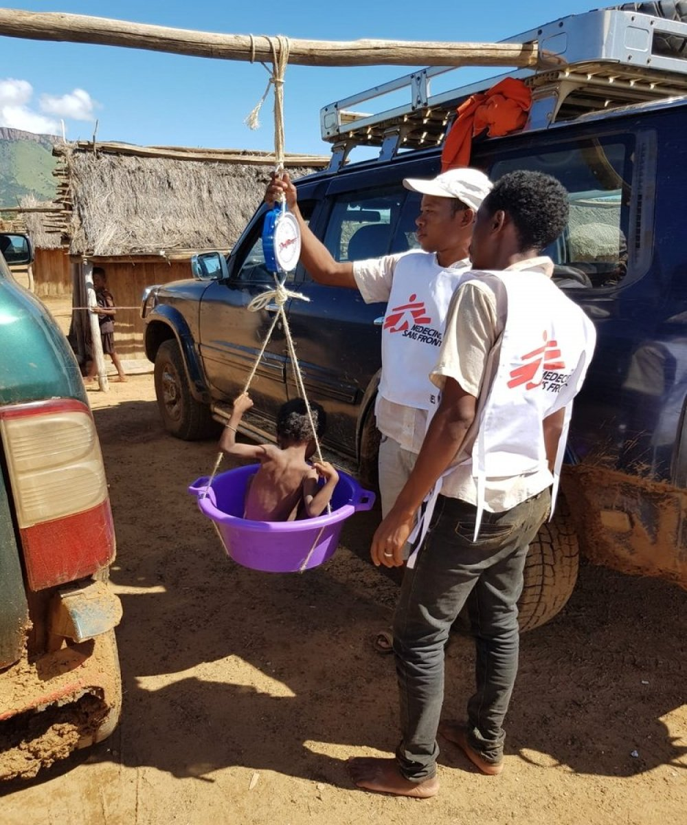 Mobile clinic in Ankamena. The food hunger season, which usually ends in April, is becoming more critical each year in the desert regions of southern Madagascar.