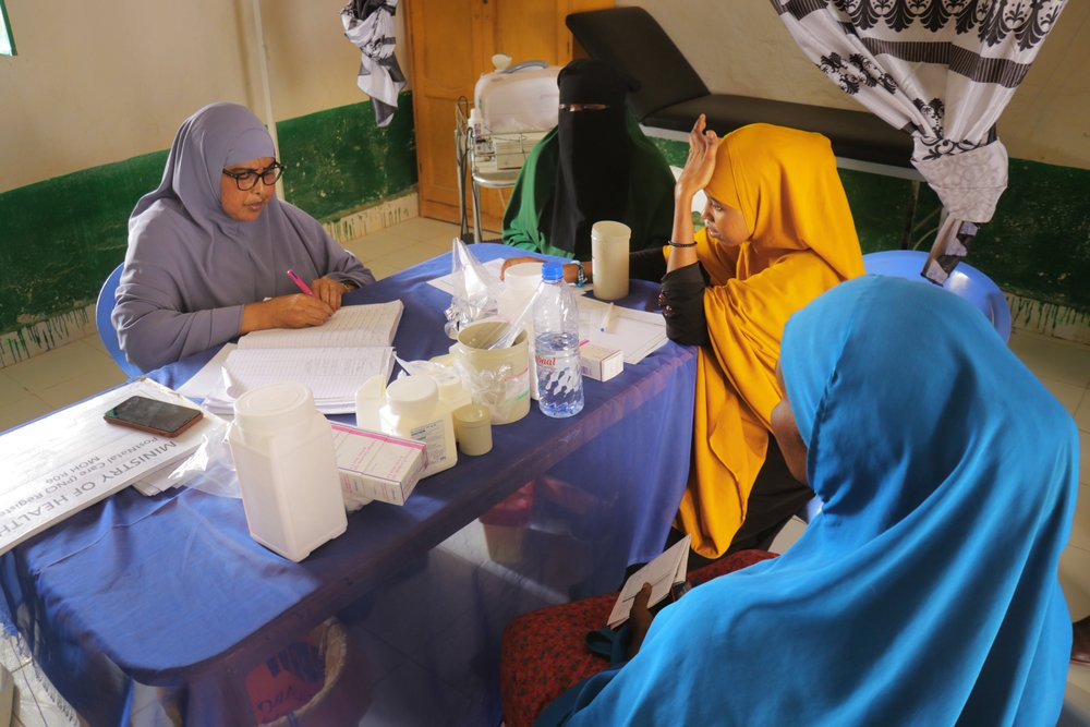 Nurse Hawo talks to Awo Ahmed, a 38-year-old pregnant woman, and two other women who have come to receive antenatal care at Mudug Regional Hospital in Galkayo city, Somalia.