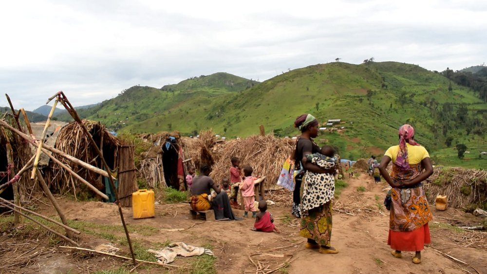 Internally displaced people (IDPs) in Katasomwa, in the Kalehe Territory of the Congolese province of South Kivu, are living in makeshift camps, lacking basic facilities such as shelter, food, water, latrines and medical care.