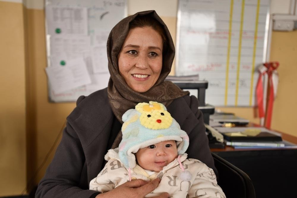 Aqila is a Midwife Supervisor in Dasht-e-Barchi hospital, Kabul, working in the maternity ward built by MSF. Here she delivered her most recent baby, a boy.