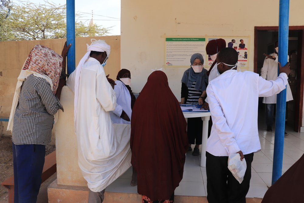 Patients receive information and medication at Hargeisa TB Hospital. MSF provides medical and technical support to the hospital as part of a response to drug-resistant tuberculosis in western Somaliland.